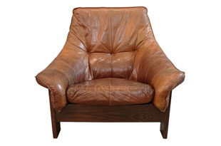 FRN820: Italian Curved Leather Chair